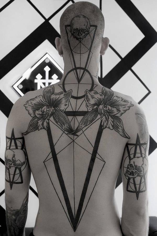 Музей Черепов и Скелетов/Новая татуировка бесплатно! Конкурс тату в Музее Черепов и Скелетов!