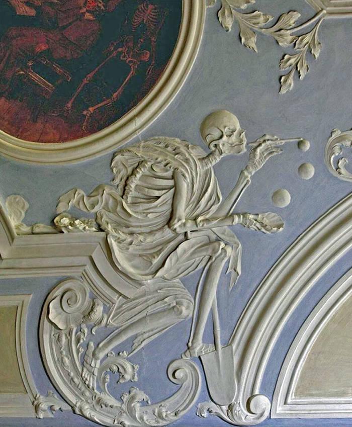 Музей Черепов и Скелетов/Смерть, выдувающая мыльные пузыри